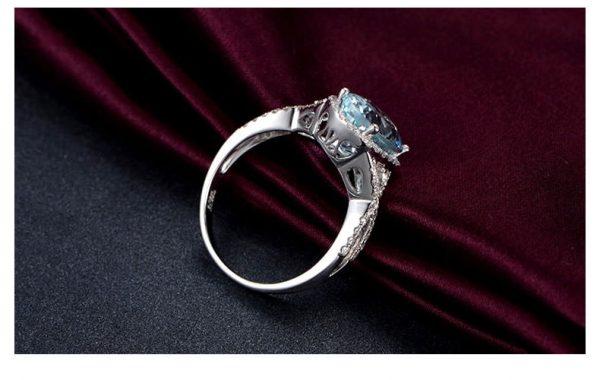 3.68ct Natural Blue Aquamarine in 18K Gold Ring