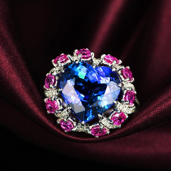 6.11ct Natural Blue Tanzanite in 18K Gold Ring