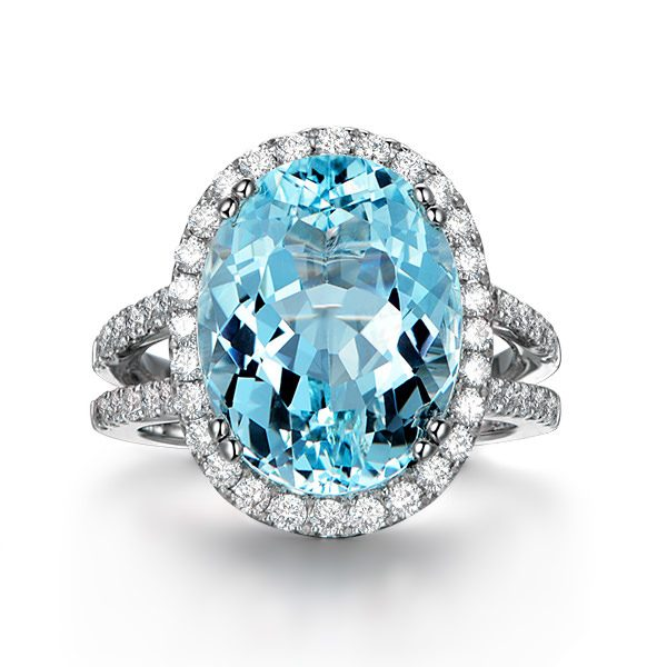 8.77ct Natural Blue Aquamarine in 18K Gold Ring