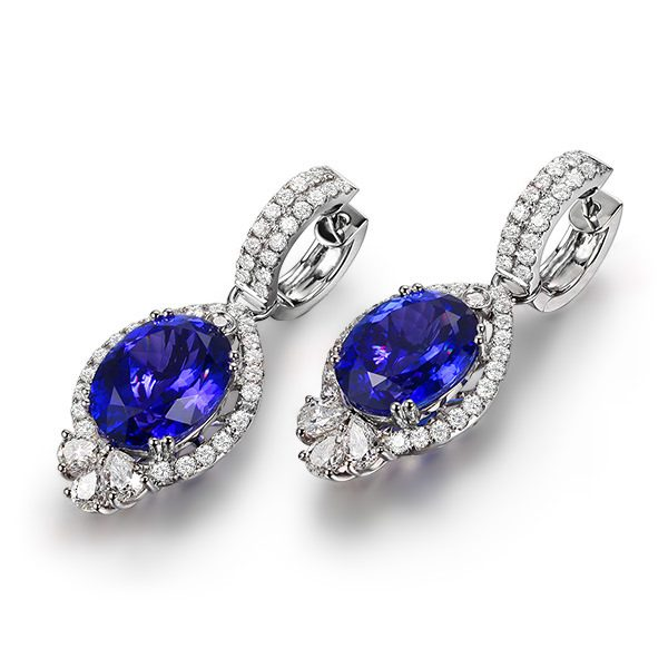 17.1ct Natural Blue Tanzanite in 18K Gold Earring