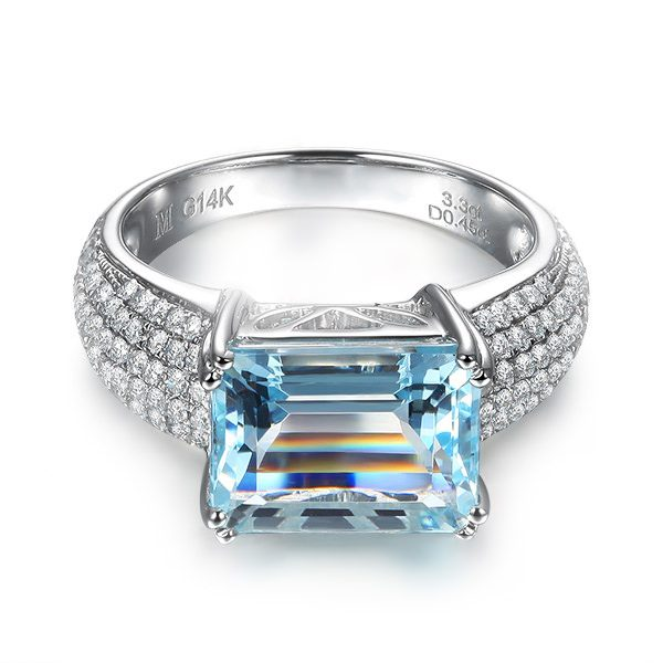 3.3ct Natural Blue Aquamarine in 18K Gold Ring