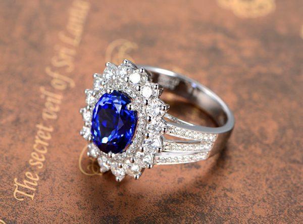 3.55ct Natural Blue Tanzanite in 18K Gold Ring