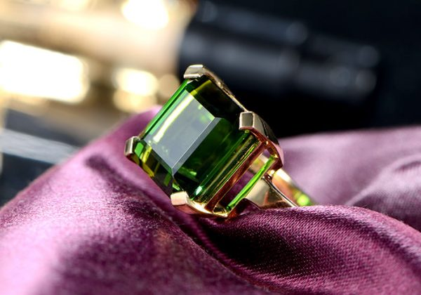11.5ct Natural Green Tourmaline in 18K Gold Ring