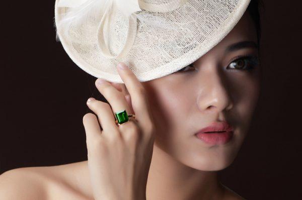 11.5ct Natural Green Tourmaline in 18K Gold Ring