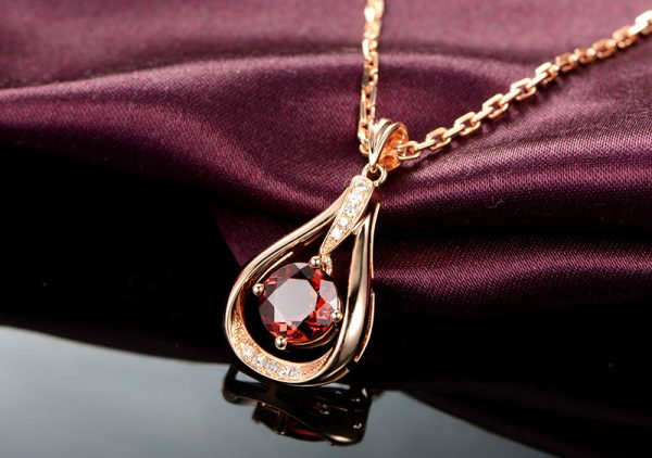 1.05ct Natural Pink Tourmaline in 18K Gold Pendant