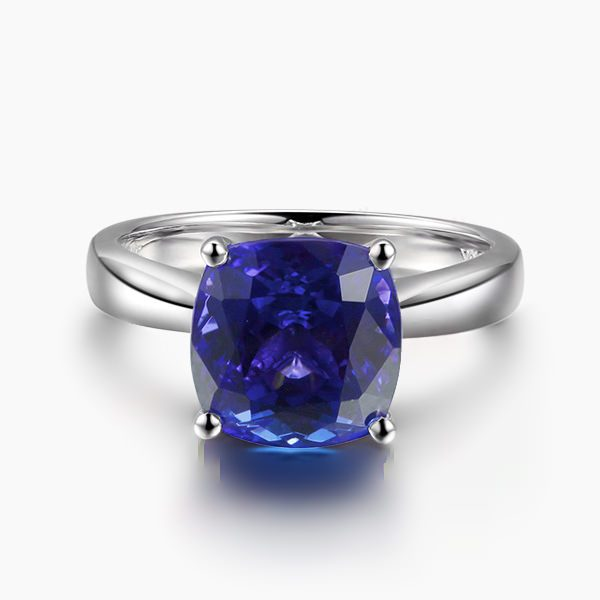 3.89ct Natural Blue Tanzanite in 18K Gold Ring