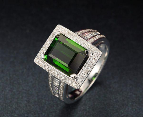 6.5ct Natural Green Tourmaline in 18K Gold Ring