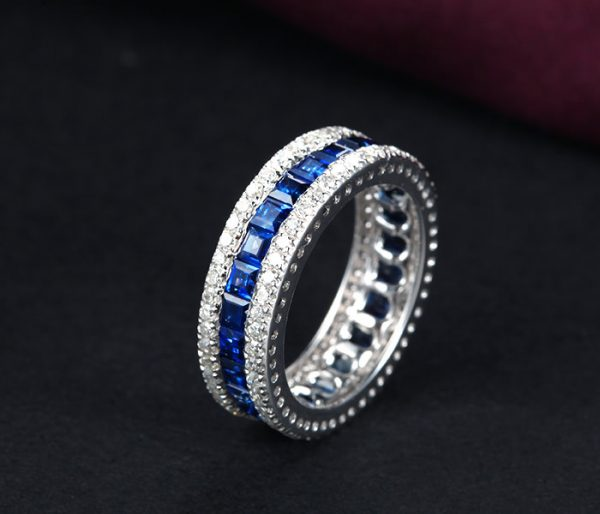 ct Natural Blue Sapphire in 18K Gold Ring