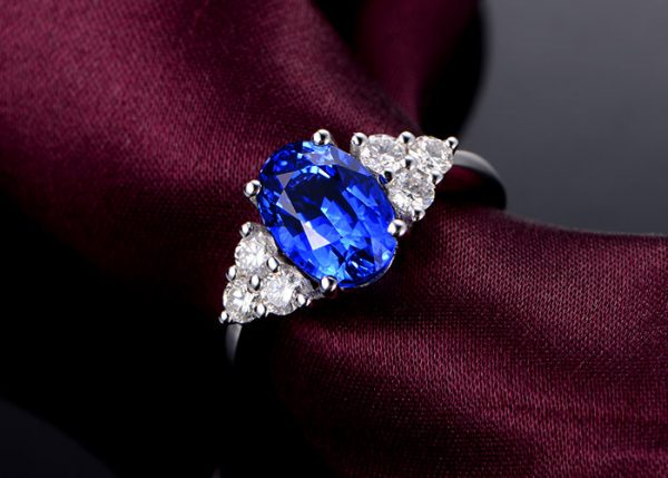 3.77ct Natural Blue Tanzanite in 18K Gold Ring