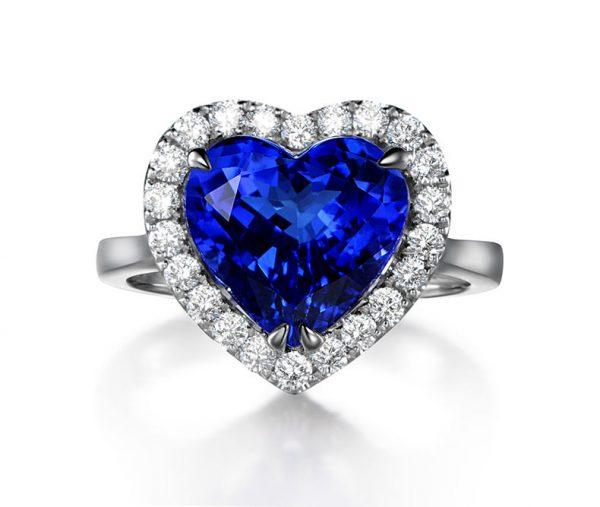 4.05ct Natural Blue Tanzanite in 18K Gold Ring