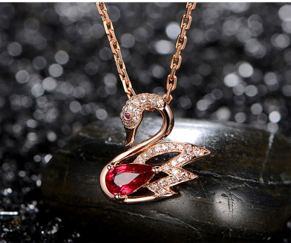 1.05ct Natural Red Ruby in 18K Gold Pendant
