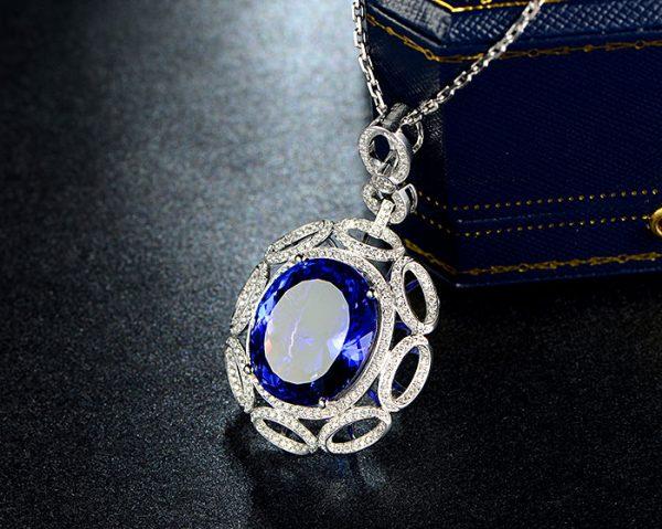 26.5ct Natural Blue Tanzanite in 18K Gold Pendant