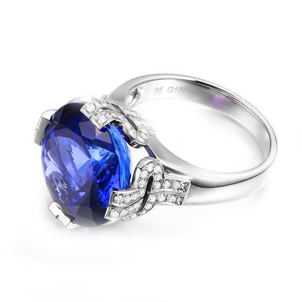 12.5ct Natural Blue Tanzanite in 18K Gold Ring