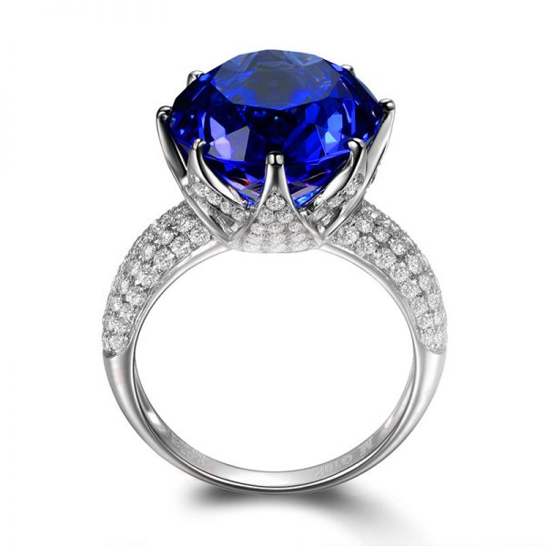 9.7ct Natural Blue Tanzanite in 18K Gold Ring