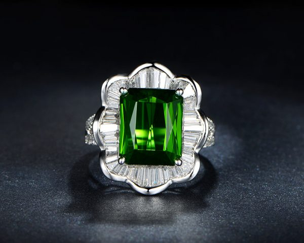 6.85ct Natural Green Tourmaline in 18K Gold Ring