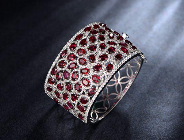 29.5ct Natural Red Ruby in 18K Gold Bracelet