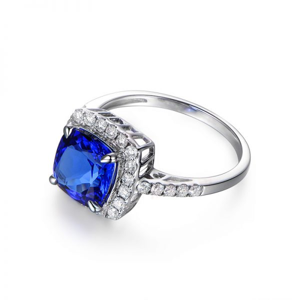 2.54ct Natural Blue Tanzanite in 18K Gold Ring