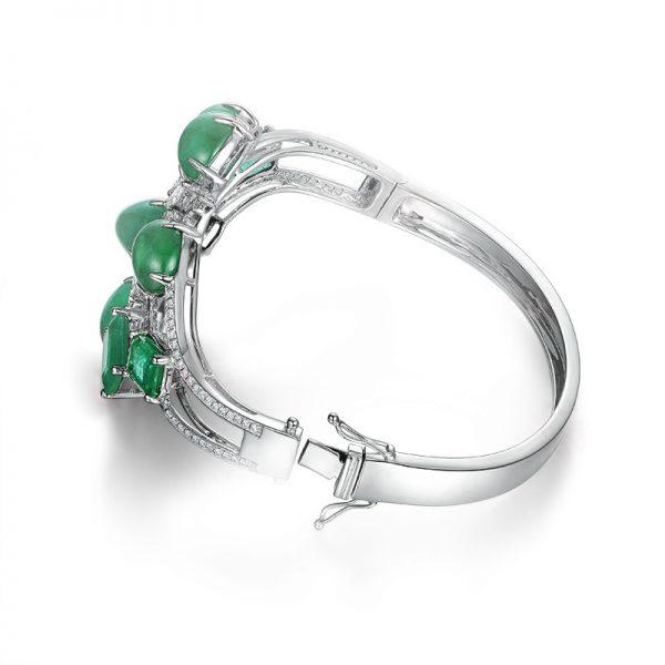 29.84ct Natural Green Emerald in 18K Gold Bracelet