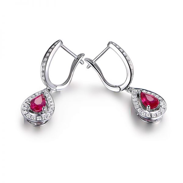 1.07ct Natural Red Ruby in 18K Gold Earring