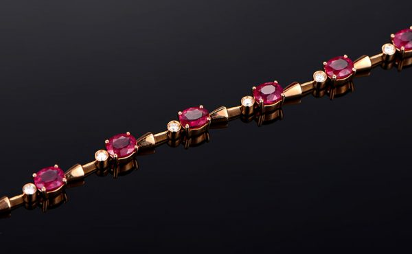 5.3ct Natural Red Ruby in 18K Gold Bracelet