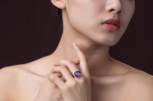10.55ct Natural Purple Amethyst in 18K Gold Ring