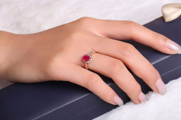 1.05ct Natural Red Ruby in 18K Gold Ring