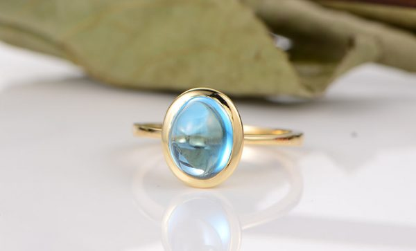 3.15ct Natural Blue Topaz in 18K Gold Ring