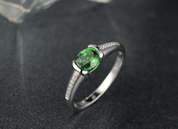 1.05ct Natural Green Tsavorite in 18K Gold Ring