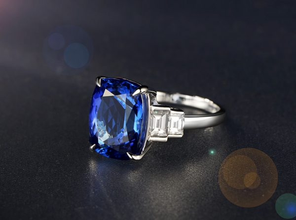 7.35ct Natural Blue Tanzanite in 18K Gold Ring