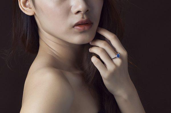 1.24ct Natural Blue Tanzanite in 18K Gold Ring