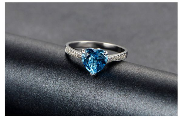 2.35ct Natural Blue Topaz in 18K Gold Ring