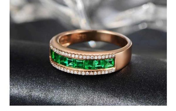 1.03ct Natural Green Emerald in 18K Gold Ring