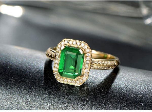 2.01ct Natural Green Emerald in 18K Gold Ring
