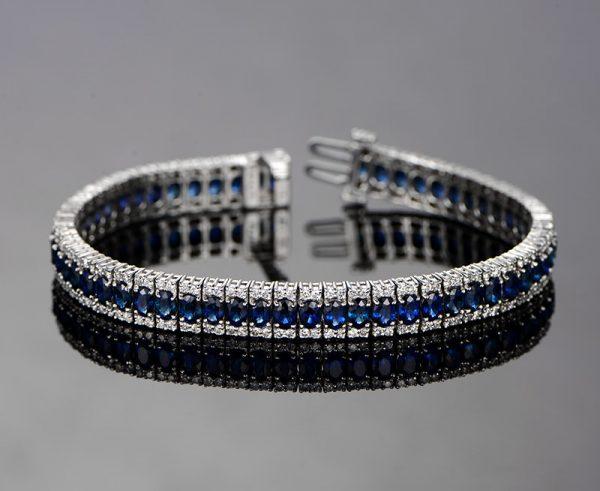 14.12ct Natural Blue Sapphire in 18K Gold Bracelet