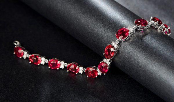 19.5ct Natural Red Tourmaline in 18K Gold Bracelet
