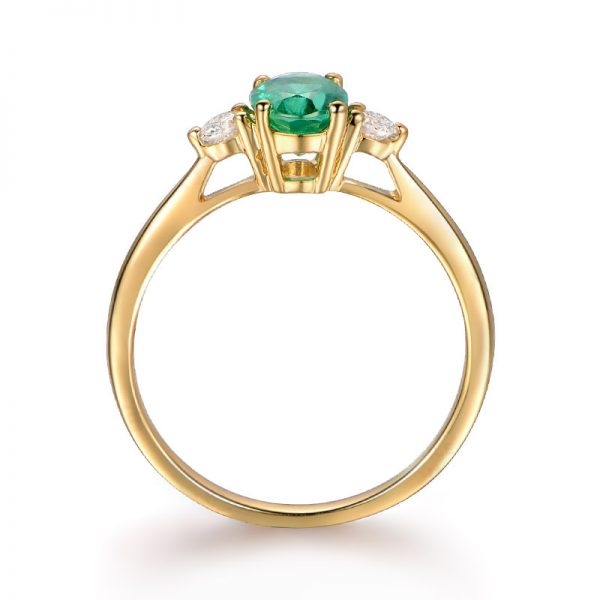 0.83ct Natural Green Emerald in 18K Gold Ring