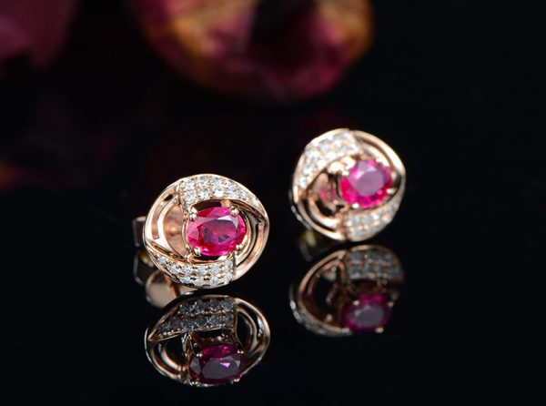 1.01ct Natural Red Ruby in 18K Gold Earring