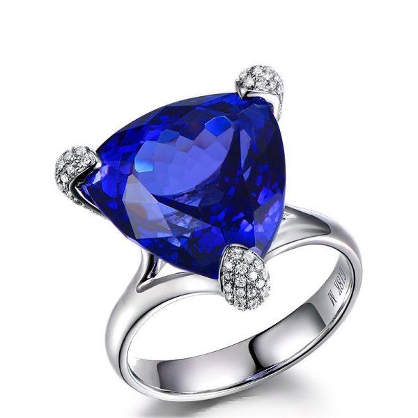 15.46ct Natural Blue Tanzanite in 18K Gold Ring