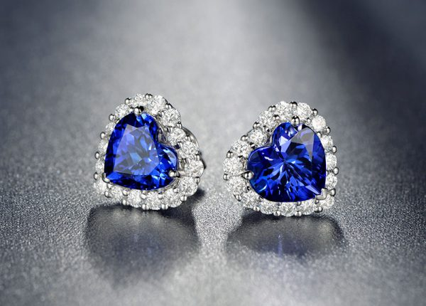 4.15ct Natural Blue Tanzanite in 18K Gold Earring