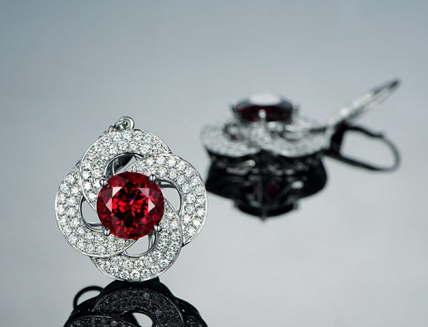 11.5ct Natural Red Garnet in 18K Gold Earring