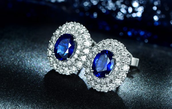 2.62ct Natural Blue Sapphire in 18K Gold Earring
