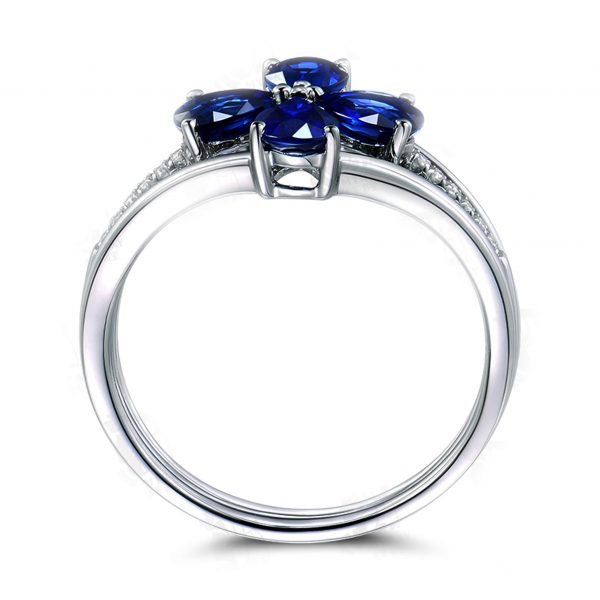 2.1ct Natural Blue Sapphire in 18K Gold Ring
