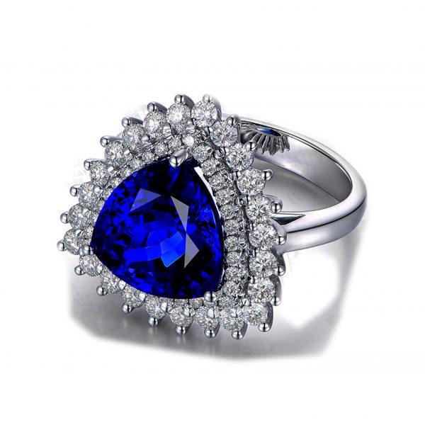 6.02ct Natural Blue Tanzanite in 18K Gold Ring