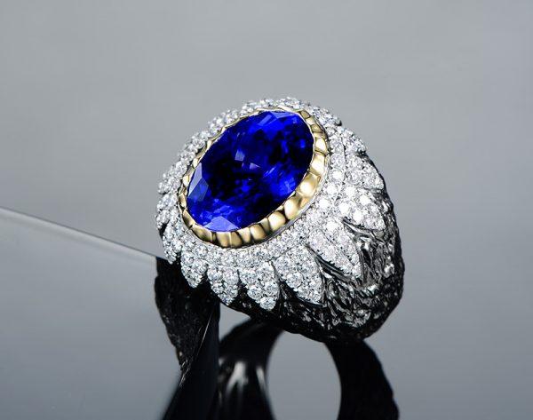 8.35ct Natural Blue Tanzanite in 18K Gold Ring
