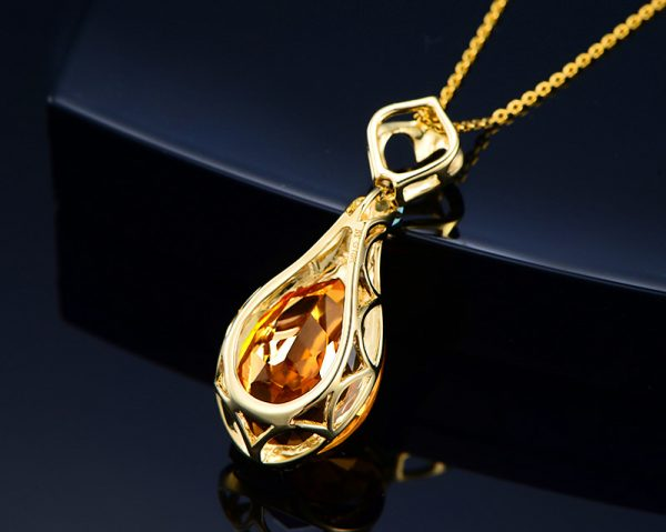 12.58ct Natural Yellow Citrine in 18K Gold Pendant