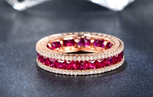 3.45ct Natural Red Ruby in 18K Gold Ring