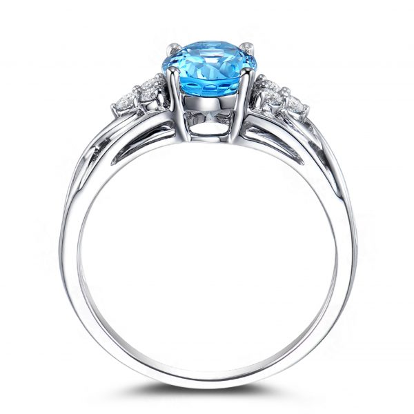 1.3ct Natural Blue Aquamarine in 18K Gold Ring