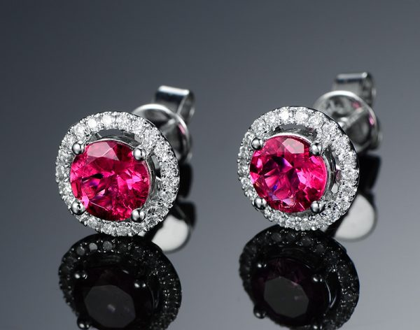 1.15ct Natural Red Tourmaline in 18K Gold Earring