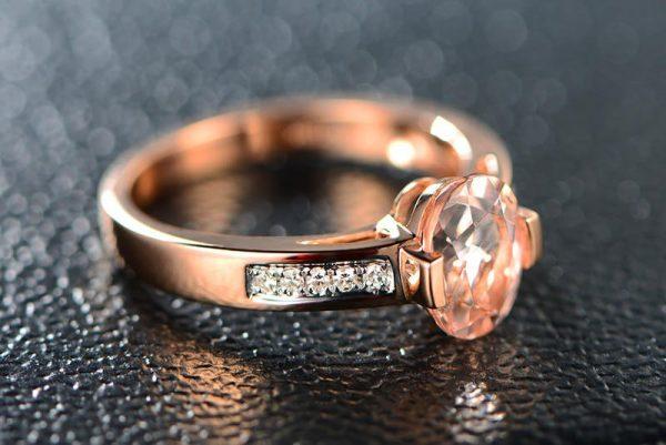 1.65ct Natural Peach Morganite in 18K Gold Ring