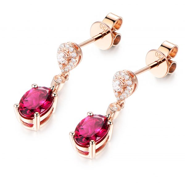 1.6ct Natural Red Tourmaline in 18K Gold Earring